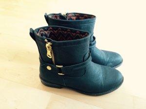 Schwarze Stiefel von Sacha