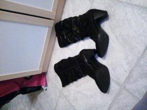 schwarze stiefel zu verkaufen