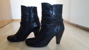 schwarze Stiefelette aus Leder von Sixtyseven