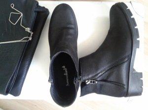 schwarze Stiefelette, schlichte Boots, Booties mit Blockabsatz