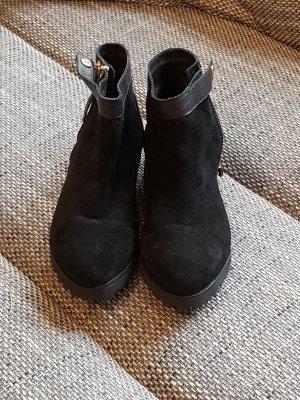 schwarze Stiefelette, ungetragen