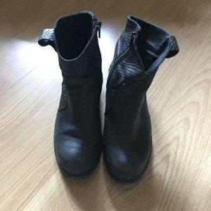 Shoe Biz Copenhagen Zipper Booties black leather