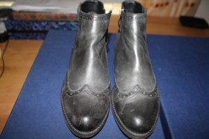 Schwarze Stiefeletten / Boots aus Leder; Größe 39