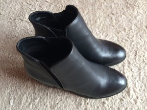Blink Slip-on Booties black imitation leather
