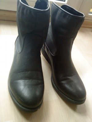 schwarze Stiefeletten in Größe 40 Bellucci