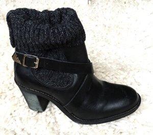 Schwarze Stiefeletten mit Absatz und Strick von Armani