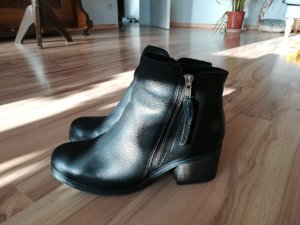 Apple of eden Zipper Booties black leather