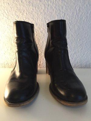 Schwarze Stiefeletten von Esprit aus Leder
