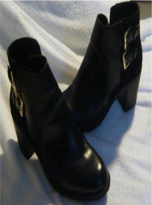 Zara Trafaluc Platform Booties black