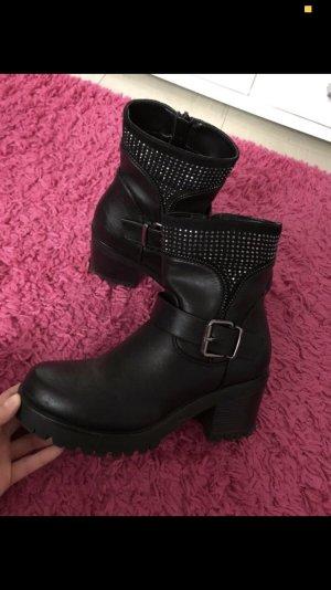 Schwarze stiefeln