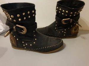 Schwarze Stiefletten mit Nieten Gr.: 39