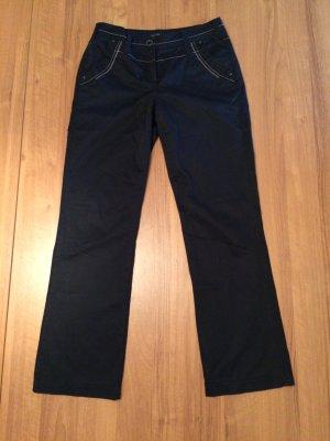 Schwarze Stoffhose mit Druckknopf