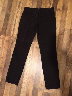 Schwarze Stoffhose mit seitlichen Taschen