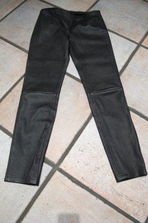 schwarze Stretchlederhose