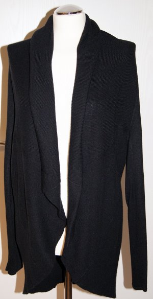 Schwarze Strickjacke mit Schalkragen