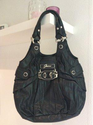 Schwarze Tasche - Guess