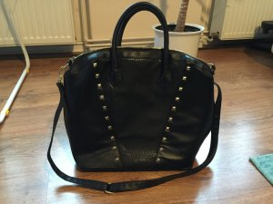 Schwarze Tasche mit goldenen Nieten von H&M
