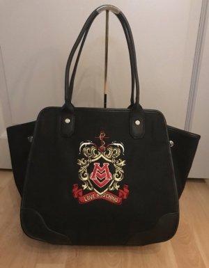 Schwarze Tasche mit Wappen von Love Moschino