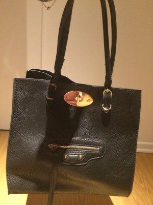 Schwarze Tasche von Hallhuber