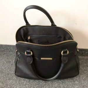 Schwarze Tasche von Mango