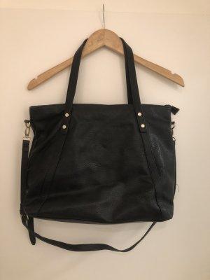 schwarze Tasche von Stradivarius