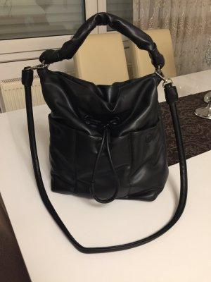 Schwarze Tasche (Zara)