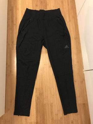Schwarze Trainingshose von Adidas