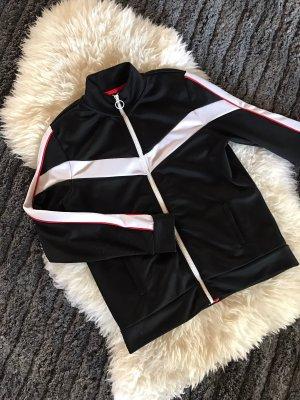 Schwarze Trainingsjacke