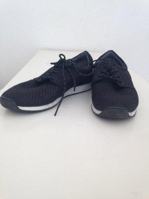 schwarze Trendsneaker zum Schnüren von Vagabond