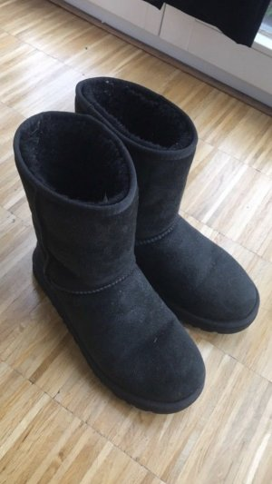 Schwarze Ugg Boots Classic