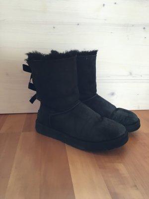 graue ugg boots mit schleife national sheriffs association. Black Bedroom Furniture Sets. Home Design Ideas