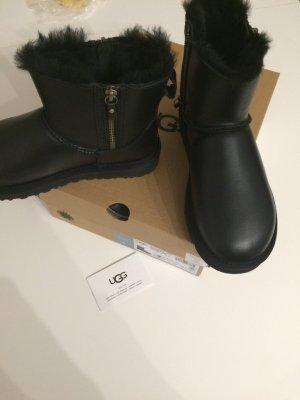 Schwarze Ugg Boots neu Glattleder 38