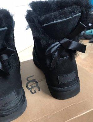 Schwarze Ugg Boots - Schleife - Gr. 40
