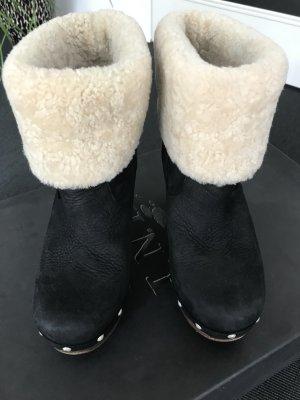 Schwarze Ugg Stiefel Größe 39 mit Holzabsatz