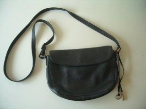 Schwarze Umhängetasche aus Leder von Marc O`Polo
