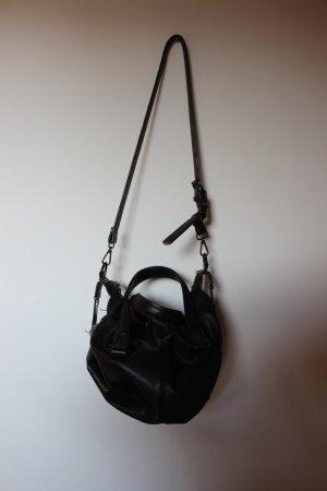 schwarze Umhängetasche von Zara