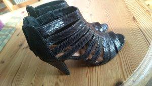 Schwarze, ungetragene Sandaletten Größe 38
