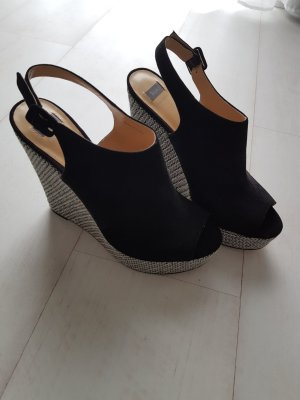 Bata Wedge Sandals black