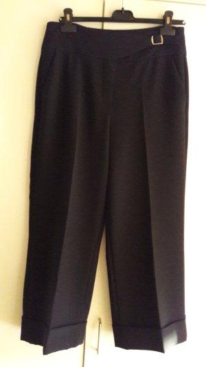 Schwarze, weite, verkürzte Hose, Gr. 38, Culottes