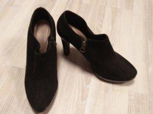 Schwarze Wildleder Ankleheels s.Oliver