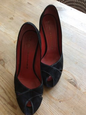 Schwarze Wildleder Pumps