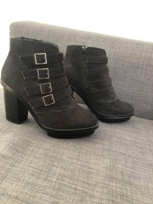Faith Platform Booties black suede