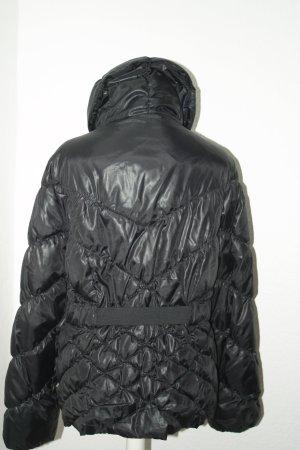 schwarze Winterjacke mit verstellbarem Gürtel, hoher Kragen,H&M, Gr. 40