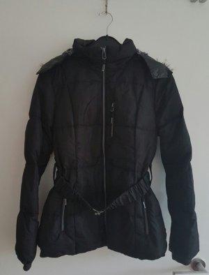 Schwarze Winterjacke von S.Oliver