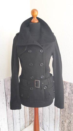 schwarze Wolljacke mit abnehmbarem Gürtel
