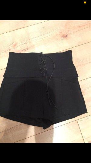 Schwarze  Zara highwaist Short
