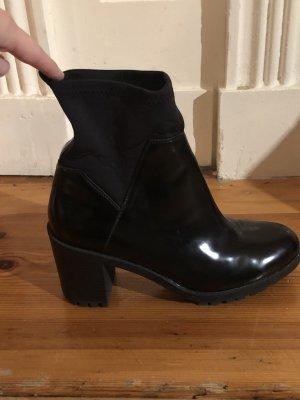 Schwarze Zara Stiefeletten mit Blockabsatz 39