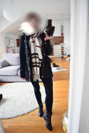 Schwarze Zara Winterjacke