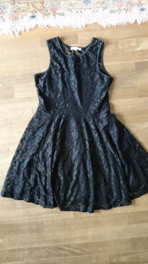 schwarzen Kleid mit Blumenspitze