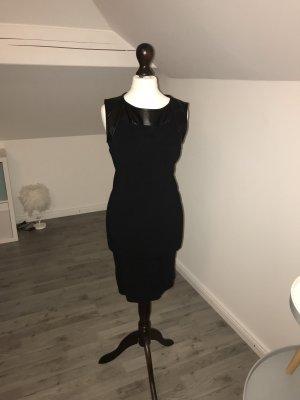 Schwarzen Kleid mit Lederimitat